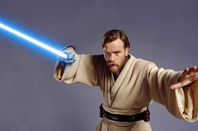 Oasis' Noel Gallagher did not give Obi-Wan Kenobi Lightsaber lessons according to Ewan McGregor